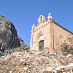 Apleistas vienuolynas ir atsiskyrėlių trobelės Montserrat kalnuose. Ispanija