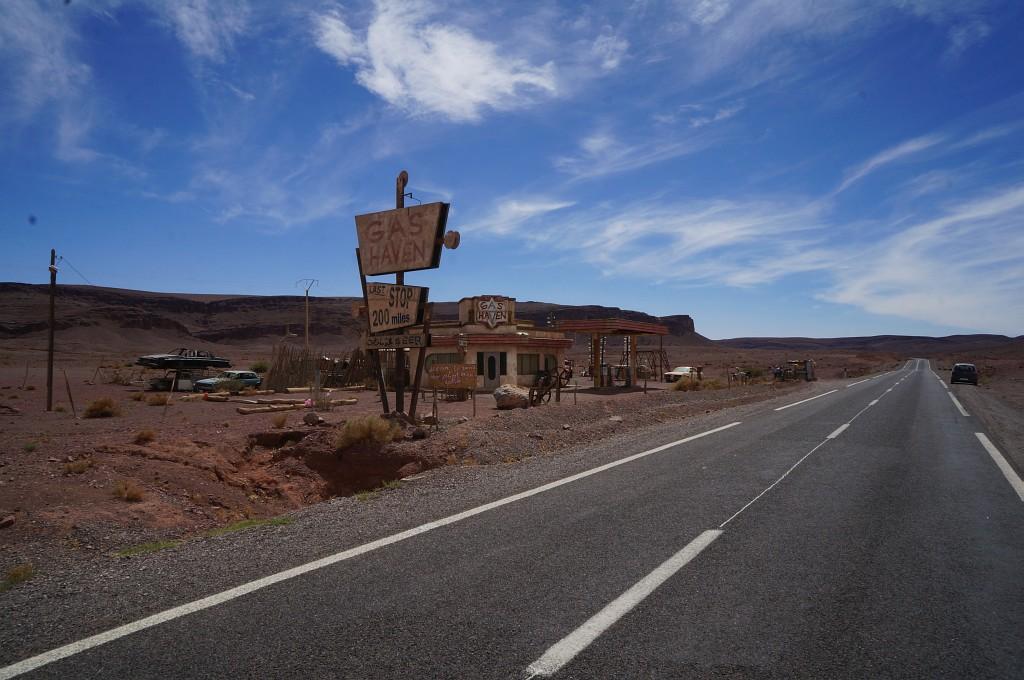 """Dalis filmo """"The hills have eyes 2″ filmavimo aikštelės. Marokas"""