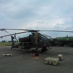 JAV atakos sraigtasparniai AH-64 Apache